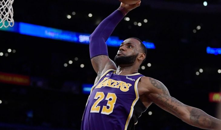 LeBron James will have fewer minutes with the Lakers