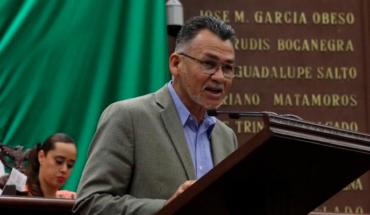 Llama Sergio Báez a seguir ejemplo de Benito Juárez y separar el poder político del económico