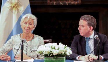 Luego de una nueva revisión, el FMI aprobó un tercer desembolso a Argentina