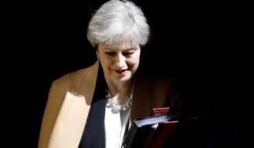 """May sopesa cuarto voto de su pacto del """"brexit"""""""