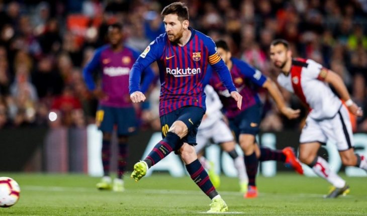 Messi scored a goal in the victory of Barcelona and added a new record