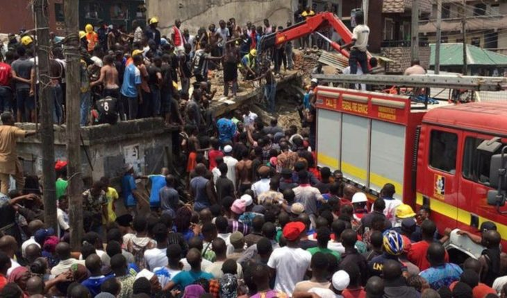 More than 100 children are buried after collapsing school in Nigeria