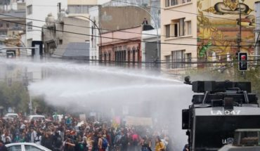 """NHDRS present lawsuit by """"unnecessary violence"""" by police against student severely injured during March 8 M in Valparaiso"""