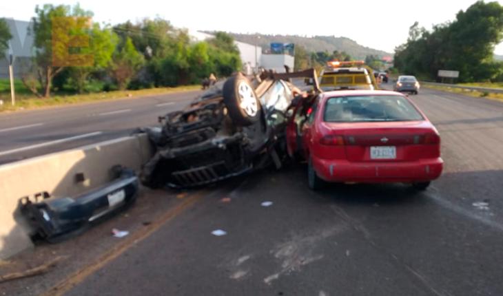 Niña pequeña y una joven quedan heridas en accidente vial en la carretera Morelia-Pátzcuaro