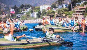 Paddling Tour arrives in Santiago with an entertaining charity overview