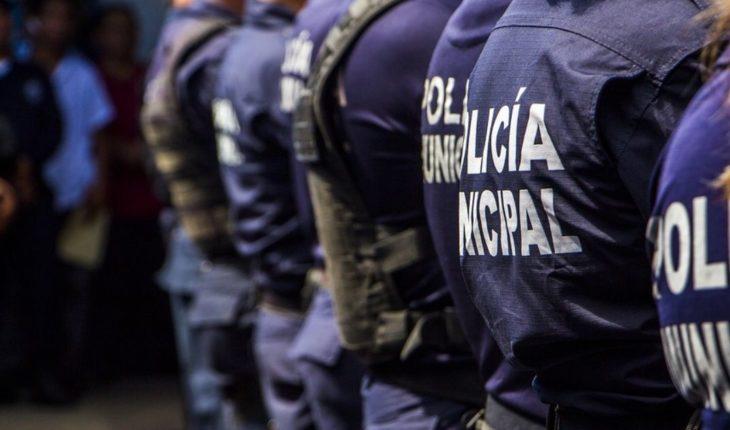Pareja denuncia a policías por robarles 42 mil en Nuevo León