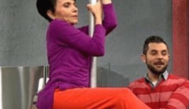 Pati Chapoy se sube al tubo de pole dance y desata las memes