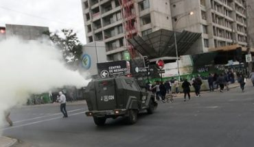 """People in General Velásquez and other points of Santiago protest marked """"Super Monday"""""""