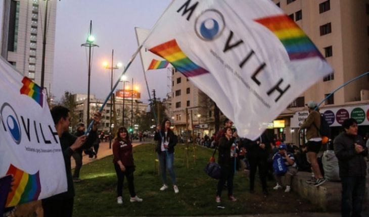 Persona no grata: Movilh llama a protestar durante visita de Bolsonaro a Chile