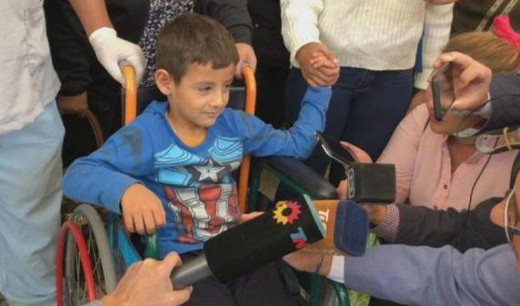 Rescatan a niño de 5 años que estuvo perdido un día entero en el desierto