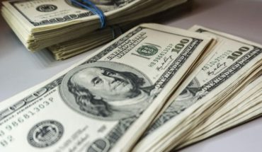 The dollar closed a $42,20 hot week after a strong rise in rates