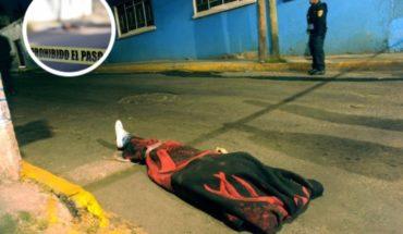 Tiran a joven encobijado junto a mensaje en las calles de Cuautepec