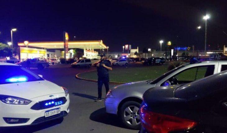 Tiroteo entre policías de la Bonaerense y la Federal: un comisario muerto