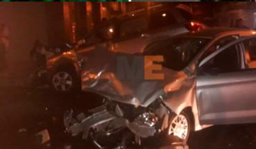 Un muerto y tres heridos en choque de auto y camioneta en Uruapan, Michoacán