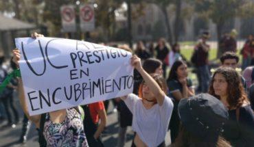 [VIDEO] Estudiantes del Campus Oriente de la PUC protestan en la calle tras desalojo