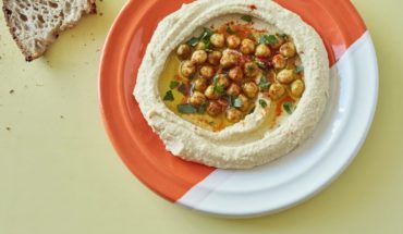 Very rich and very easy hummus