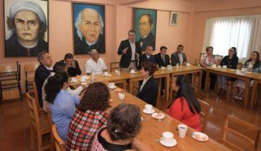 """""""La escuela no puede estar en cuatro paredes, debe educar a la comunidad"""": Raúl Morón Orozco"""