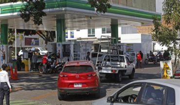AMLO pide a gasolineros no abusar en precios