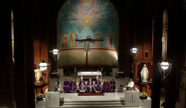 Cristo, crucificado. La Iglesia, silenciada
