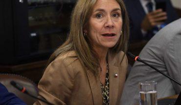 """Desde la UDI exigen renuncia de ministra de Energía por """"medidores inteligentes"""""""