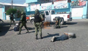Detienen a cuatro presuntos delincuentes con camioneta robada en Yurécuaro, Michoacán