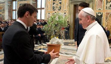 """En teoría, es un sacrilegio llamar """"Dios"""" a Lionel Messi: Papa Francisco"""