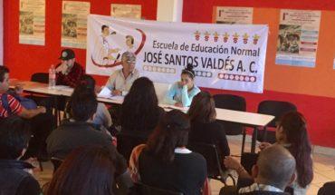 Escuela Normal de Morena rechaza Universidades de AMLO