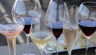 Estudio cuestiona beneficios de consumo moderado de alcohol