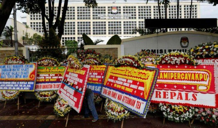Increíble: 272 muertos por agotamiento tras contar votos en elecciones de Indonesia