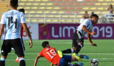La 'Roja' Sub 17 cayó ante Argentina y pierde el primer lugar del hexagonal