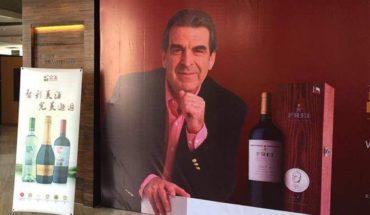 Polémica causa promoción de vino de Frei Ruiz-Tagle en gira por China