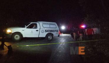Una persona fallecida y una lesionada al chocar un camión contra una camioneta, en Acuitzio, Michoacán