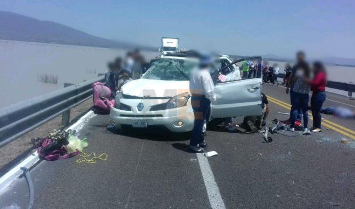 Accidente en zona del Lago de Cuitzeo, deja un muerto y cinco heridos