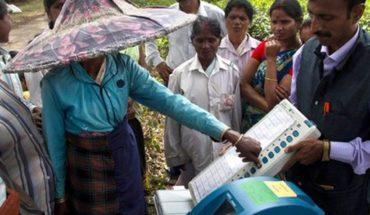 Hombre se amputa un dedo tras equivocarse en su voto durante elecciones de la India