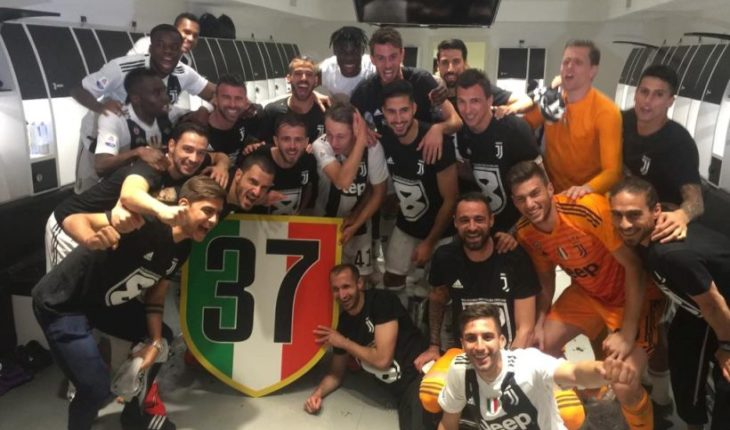 """Juventus is devoted champion of A series 5 dates and achieved its eighth consecutive """"Scudetto"""""""