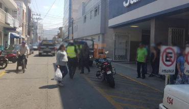Mason is badly injured being shot in Jacona, Michoacán
