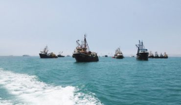 Navy captures three Peruvian fishing boats that were illegally fishing in the country