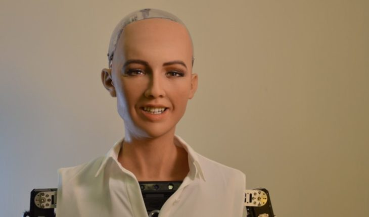 Robot Sophia asks equality and respect for