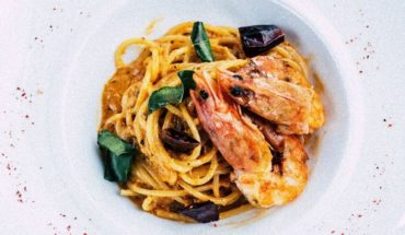 Sensitive issue: can I put cheese on pasta with seafood?