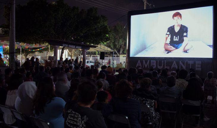 Street closed in the CDMX; will be screening at Los Pinos