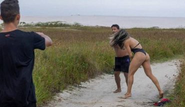 Sujeto intentó masturbarse durante sesión de fotos de luchadora MMA y recibió una paliza