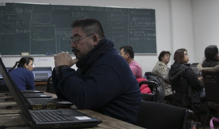 Teachers who pass the exam receive any contracts
