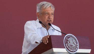 AMLO pide mandar 'al carajo' la corrupción