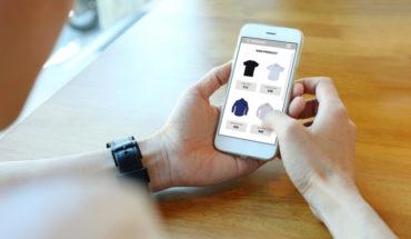 Cyber Day: 60% vitrinea en el celular y hombres gastan más que las mujeres