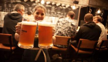 Inauguran primer bar cervecero de tradición valdiviana en Viña del Mar