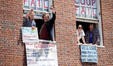 La policía de EE.UU. zanja la protesta 'chavista' en la embajada para ceder su control a la oposición