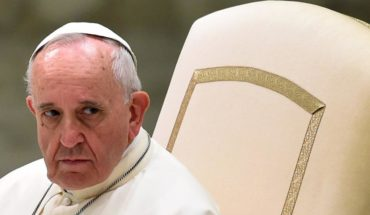 """Papa critica el """"diagnóstico prenatal"""" y dice que el aborto no es la solución"""
