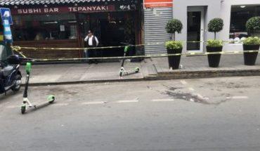 [VIDEO] Usan tres scooters para marcar escena de asesinato