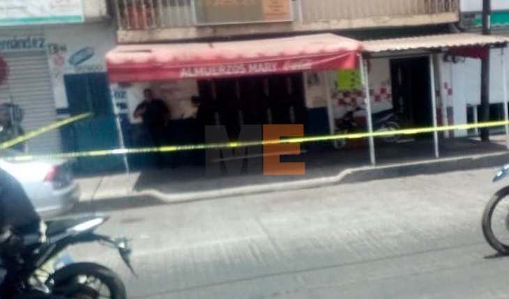 A well-known breakfast vendor is injured in a gunshot attack in Zamora