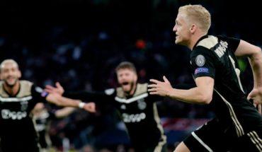 AJAX is still lying on the football rich: shares reach record